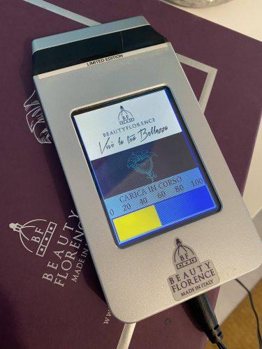 Dispositivo per trattamento di Ionoforesi